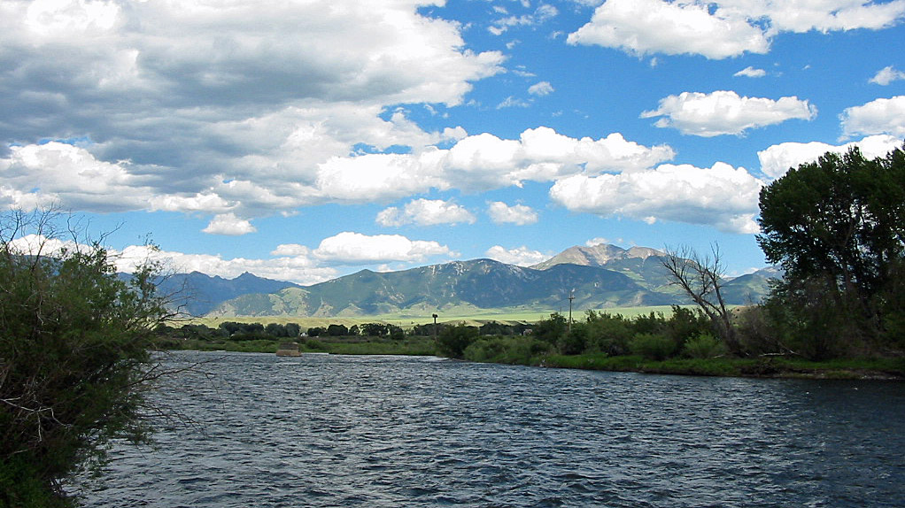 Skies Above Madison Put On Quite >> The Madison River Detailed Fly Fishing Information And Photos